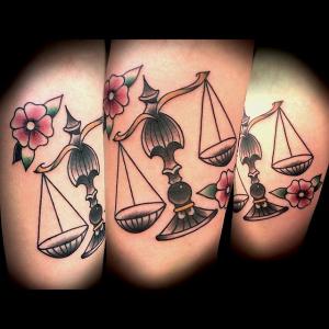 Screenshot 2020-04-03 Lars Groll Tattoomaker Germany ( tattoomaker gruenberg) • Instagram-Fotos und -Videos(10)